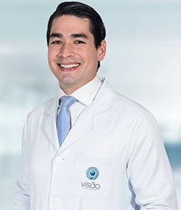 Dr. Eduardo Akira Yanaguihara