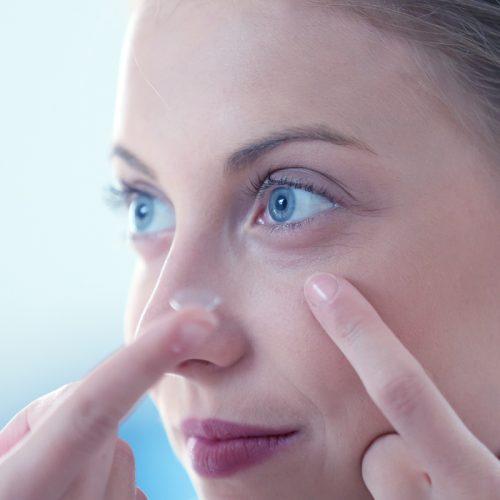 Adaptação de lentes de contato
