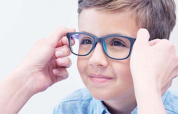 Quais são os principais problemas oculares em crianças?